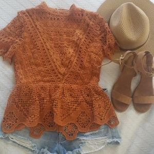 Vici short sleeve lace top